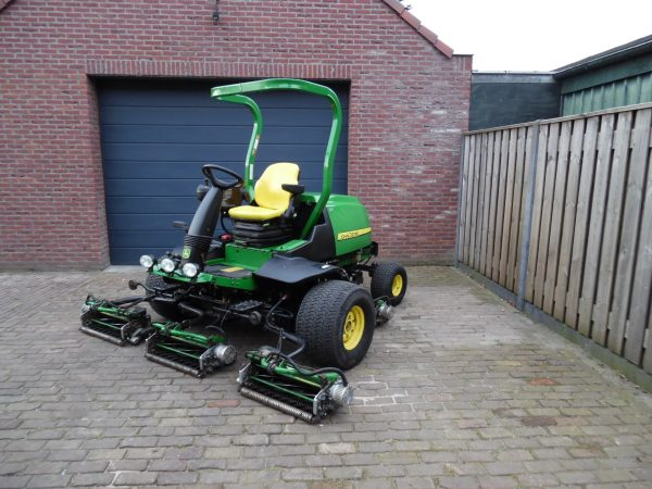 John Deere 8500 E-cut sportveldmaaier fairways
